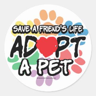 Ahorre a un amigo adoptan a un mascota pegatina redonda