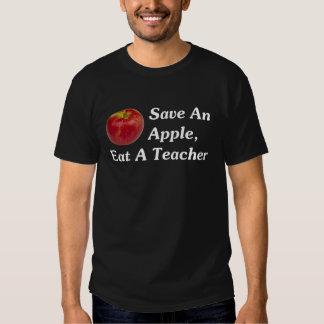 Ahorre Apple, coma a un profesor (oscuro) Playera