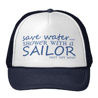 Ahorre el agua… gorras