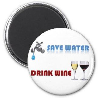 Ahorre el agua, vino de la bebida imán redondo 5 cm