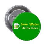 Ahorre el botón de la cerveza de la bebida del agu pins
