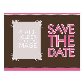 Ahorre el diseño 1 de la fecha - ROSA y chocolate Postal