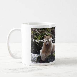 Ahorre el oso del alcohol taza de café