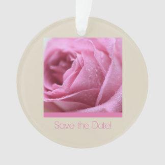 Ahorre el rosa de la fecha subió