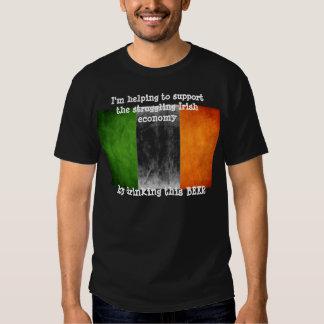 Ahorre la bebida irlandesa de la economía… una cer playeras