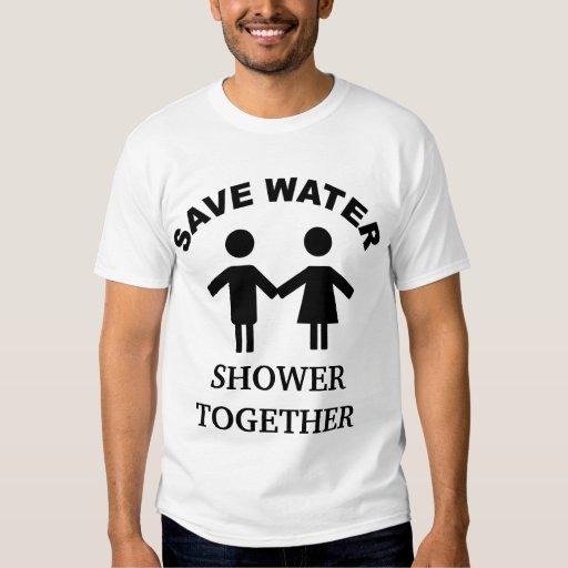 Ahorre la camiseta de la ducha del agua junto polera