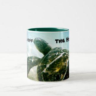 Ahorre la tortuga de mar taza de dos tonos