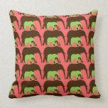 Ahorre los elefantes almohadas