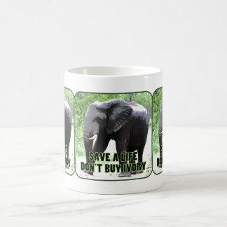 Ahorre los elefantes, no compre la taza de marfil
