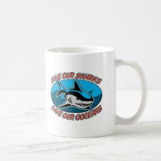 Ahorre nuestros tiburones taza