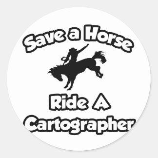 Ahorre un caballo monte a un cartógrafo pegatinas redondas