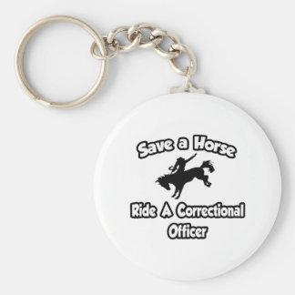 Ahorre un caballo, monte a un oficial correccional llavero redondo tipo pin