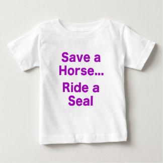Ahorre un caballo… Monte un sello Tshirts