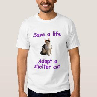 Ahorre una vida, adopte un gato del refugio playeras