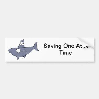 Ahorro de un tiburón etiqueta de parachoque