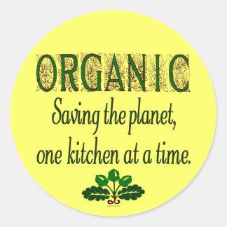 Ahorro orgánico el decir de la cocina del planeta pegatina redonda