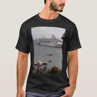 aidablu madeira  the cruise ship aidablu in the ha T-Shirt