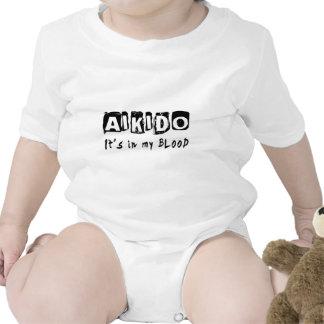 Aikido está en mi sangre traje de bebé