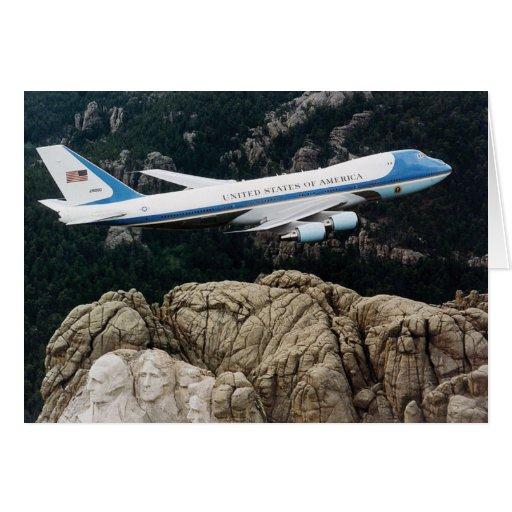 Air Force One sobre el monte Rushmore Tarjeta De Felicitación