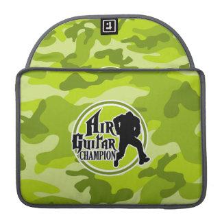 Air Guitar divertido; camo verde claro, camuflaje Funda Para Macbooks