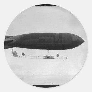 Air ship classic round sticker