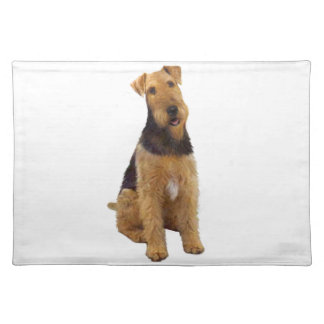 Airedael Terrier (c) - sentándose Mantel