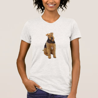 Airedael Terrier (c) - sentándose Camisetas