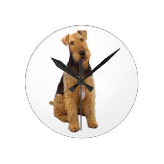 Airedael Terrier (c) - sentándose Reloj De Pared