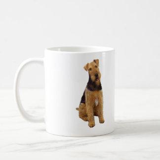 Airedael Terrier (c) - sentándose Tazas De Café