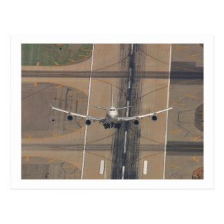 AIRLINER HIGH PERF TAKE-OFF POSTCARD