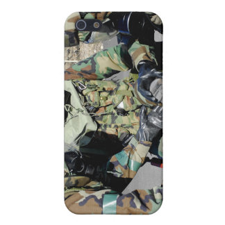 Airmen assist a Republic of Korea Army soldier Cover For iPhone SE/5/5s