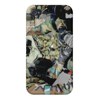 Airmen assist a Republic of Korea Army soldier iPhone 4 Cover