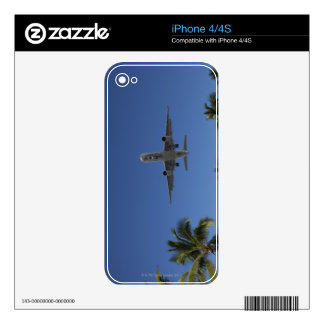 Airplane landing in Miami Skin For iPhone 4S