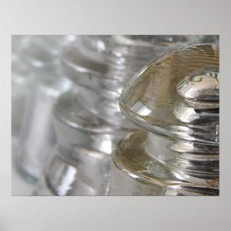 Aisladores de cristal claros póster