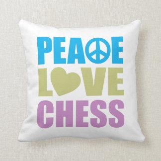 Ajedrez del amor de la paz cojín decorativo