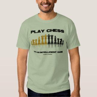 Ajedrez del juego es un juego inteligente remeras
