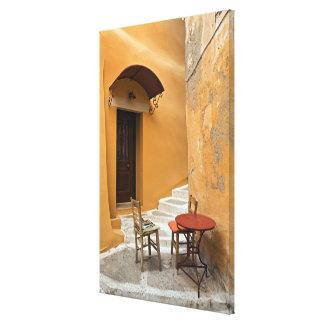 Ajuste de la tabla de la acera, Chania, Creta, Gre Impresión En Lona Estirada