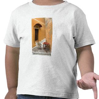 Ajuste de la tabla de la acera, Chania, Creta, Camisetas