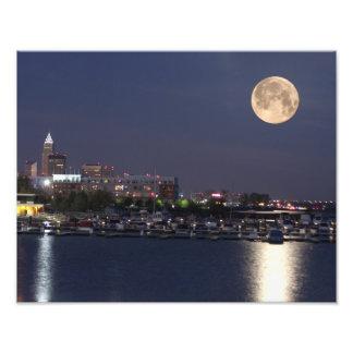 Ajuste estupendo de la luna en Cleveland, Ohio Fotografías
