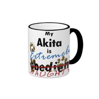 Akita extremadamente travieso tazas de café
