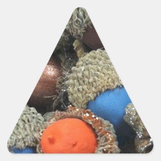 Akorns 1.JPG Pegatina Triangular