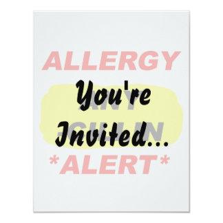 Al alerta del diseño de la alergia de los invitación 10,8 x 13,9 cm