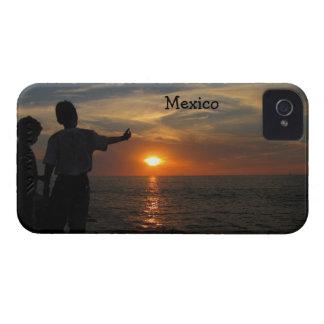 Al Atardecer de Hermanos; Recuerdo de México Case-Mate iPhone 4 Protectores