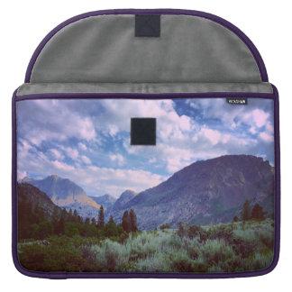 Al este de Yosemite Fundas Para Macbook Pro