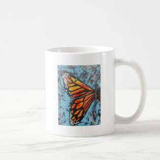 Ala de la mariposa de monarca de las creaciones de tazas de café