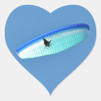 Ala flexible accionada pegatina en forma de corazón