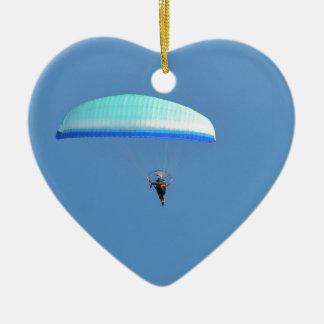 Ala flexible motorizada adorno navideño de cerámica en forma de corazón