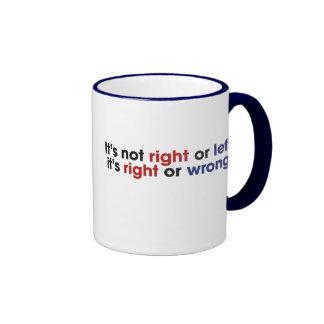 Ala izquierda y derecha tazas de café