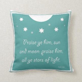 Alabanza YE él Sun y almohada del salmo de la luna
