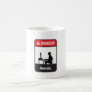 Alarma del empollón del peligro taza